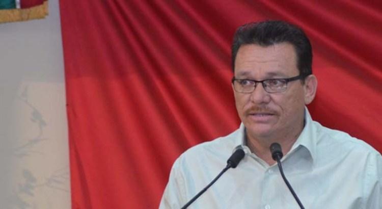 Se han convertido los Congresos en sirvientes de Peña Nieto