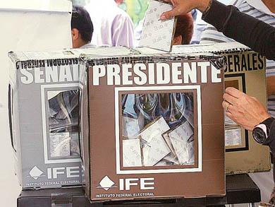 Avanzan el INE y la reelección