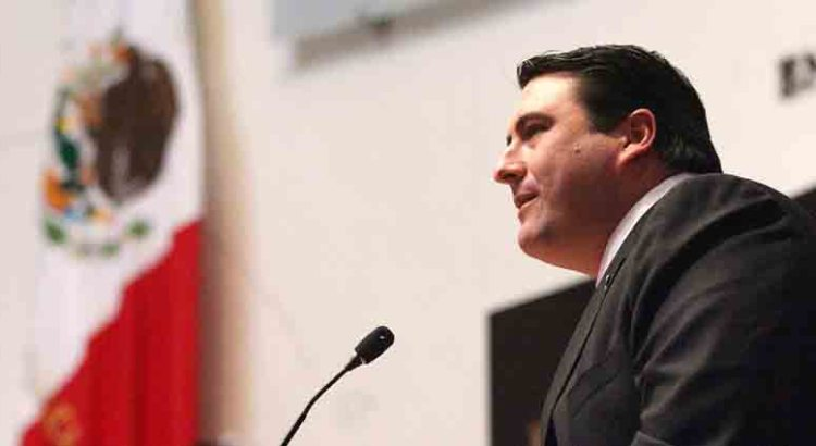 """""""México emergerá del estancamiento"""" vaticina el senador Barroso"""