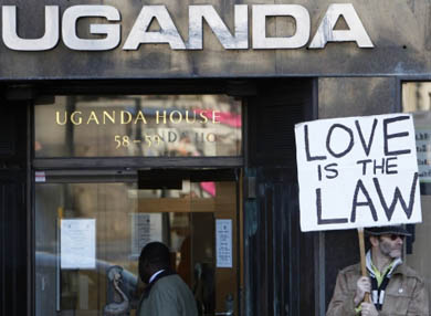 Aprueba Uganda cadena perpetua a homosexuales