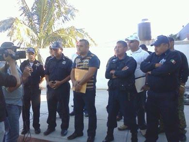 Niegan autoridades ilegalidad en destitución de policías