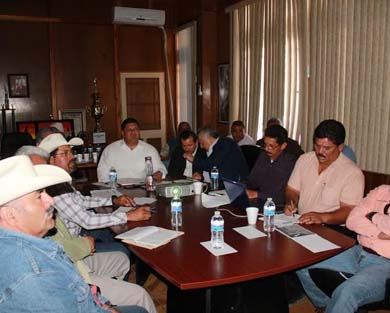 Se reúne Alcalde con Sagarpa y ganaderos