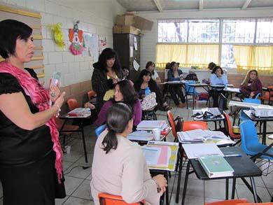 Por faltistas cesan a 500 docentes