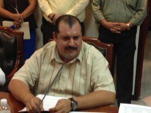 El primer regidor Julio César Castro solicitó la comparecencia del titular de Recursos Humanos en la administración municipal Felipe Ceseña.