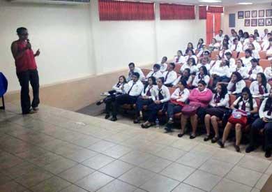 Invitan a jóvenes a ejercer sus derechos en salud y empleo