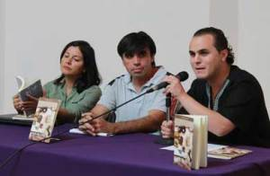 """Presentaron el libro """" Poemas africanos"""" de Mario Jaime Rivera, Premio Nacional de Poesía Efraín Huerta 2013, en el Centro Cultural La Paz."""