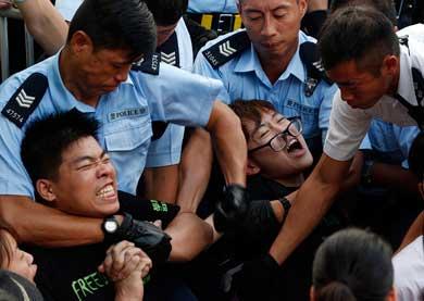 Arrestan a más de 500 en Hong Kong