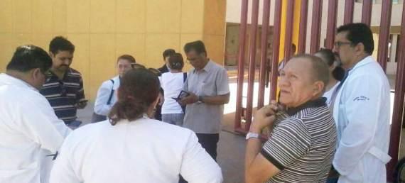 Los integrantes del YoSoy#17 se manifestaron en las afueras del Tribunal Superior de la Federación.
