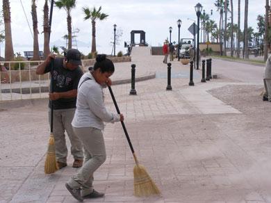 Continúa la limpieza de calles de Loreto