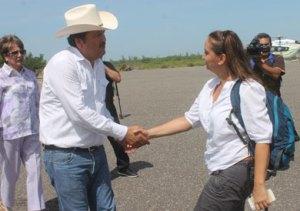Tano y Claudia Ruiz Massieu