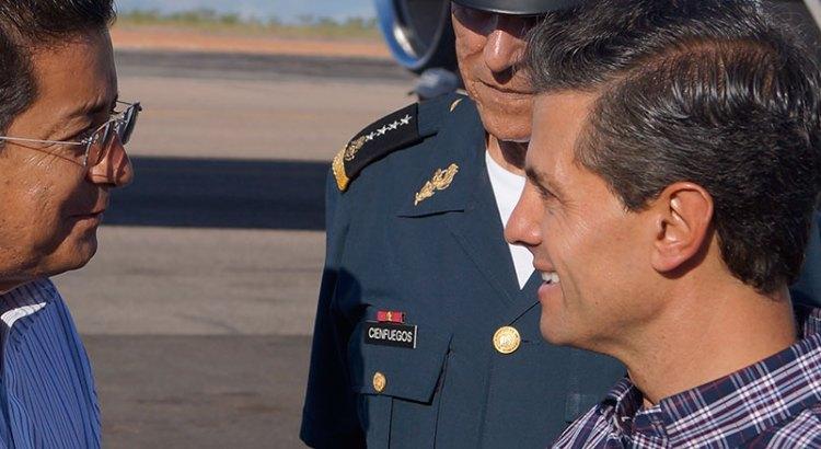 …Y Enrique Peña Nieto llegó al Aeropuerto de Cabo San Lucas