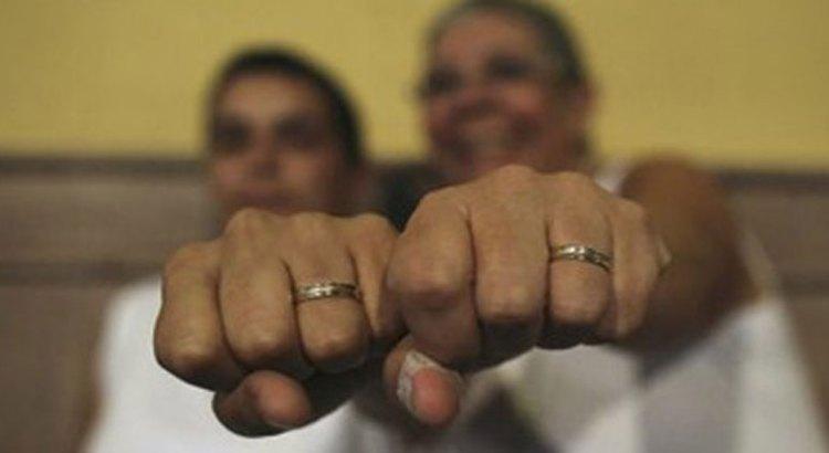 En mayo legislarán sobre matrimonio entre personas del mismo sexo