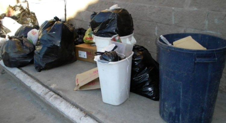 La Paz, entre la basura, la penumbra y la falta de agua