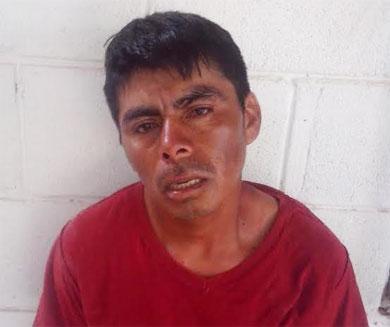 A navajazos  atacó a su compañero de cuarto