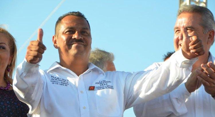Va Luis Armando por una Ley de libre acceso a las playas