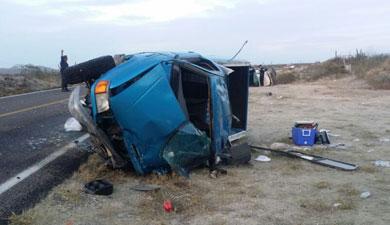 Un muerto y dos lesionados en percance carretero