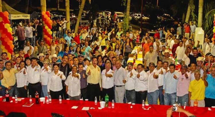 """Signan gremios de taxistas """"El pacto San Juan"""""""