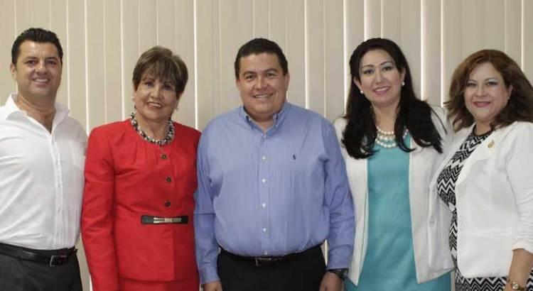 Se reunió Rector de la UABCS con diputados locales