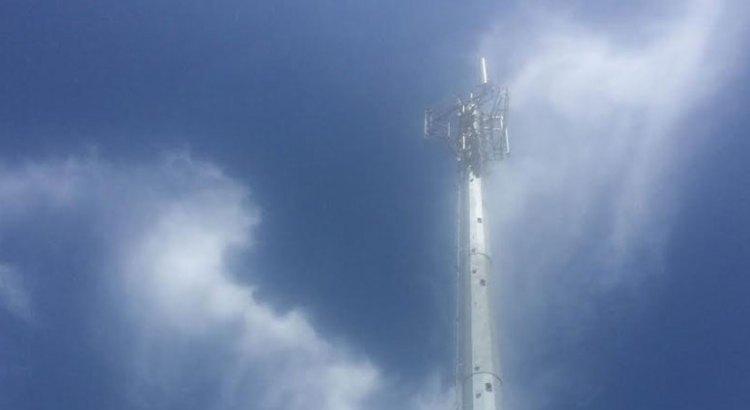 Preocupados vecinos por colocación de antena