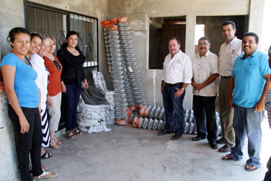 Apoyan a familias de SJC con material de construcción