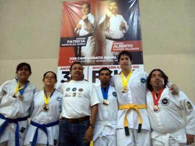 Destaca UABCS en torneo de Karate do
