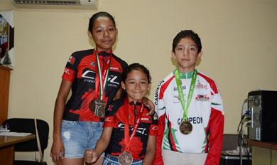 Respalda el Gobierno Municipal a jóvenes atletas