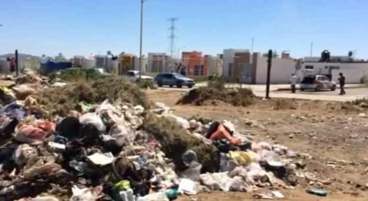 Predios baldíos, convertidos en basureros