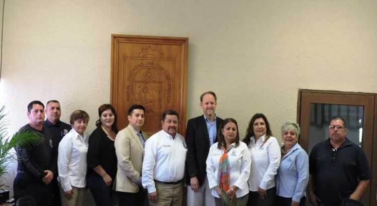 Visita Loreto el Cónsul General de EEUU en Tijuana