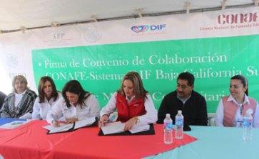 Firman DIF y CONAFE convenio de colaboración