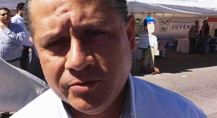 """"""" En su momento"""" aclarará  Ernesto Ibarra sus diferencias con el Alcalde cabeño"""