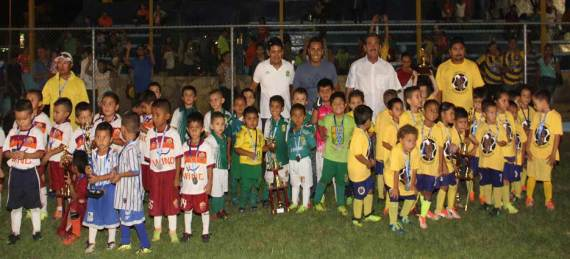 Lobitos FC; subcampeón el equipo León y tercer lugar Club Delfines.