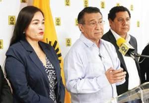 Verónica Juárez Piña, Erick Villanueva Mokul, Claudia Castelo e Hiram Moreno
