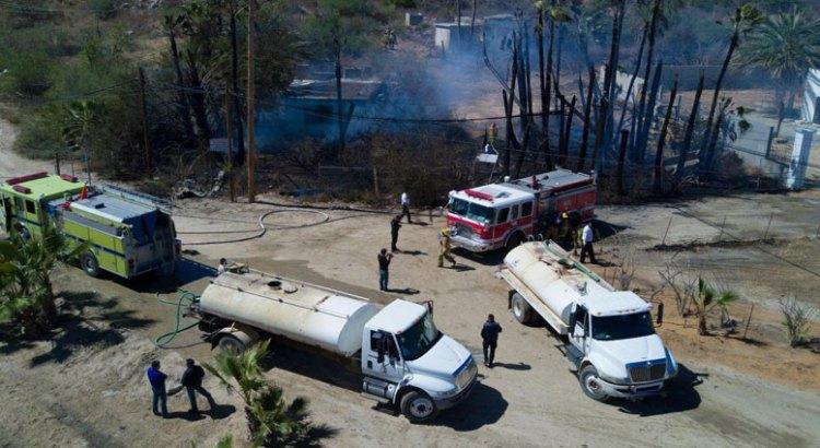 Sofocaron incendio en Puerto Los Cabos