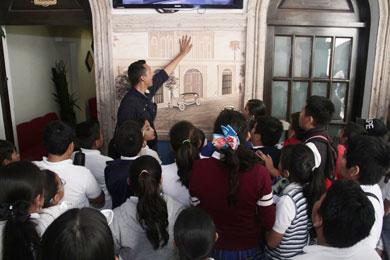 Efectuaron estudiantes visita guiada