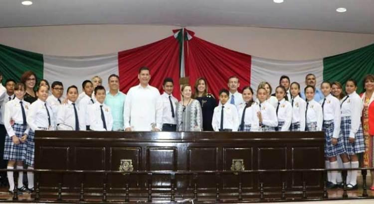 Instalan XII Parlamento Infantil Sudcaliforniano 2017