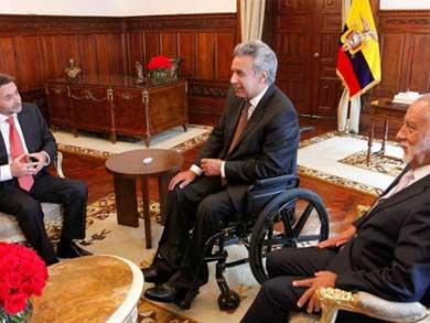 Bajan en Ecuador salario a funcionarios
