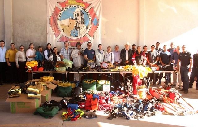 Recibe Bomberos de Loreto donación de equipo