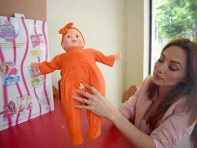 """Cierran tienda que vendía muñecas """"transexuales"""""""