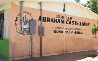 Exigen terminar trabajos en primaria Abraham Castellanos