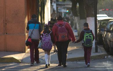 Alista SEP plan para prevenir entrada de armas en escuelas