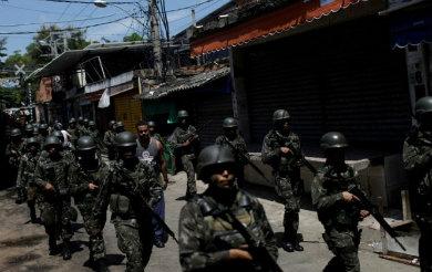 Toma el Ejército la seguridad en Río de Janeiro
