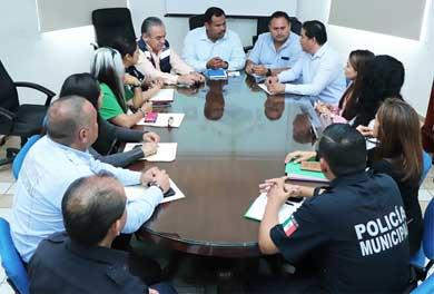 Se reúne delegado de CSL con autoridades educativas