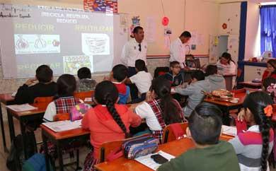 Ofrecen pláticas sobre reciclaje en instituciones educativas