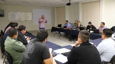 Continúan cursos para personal de la PGJE