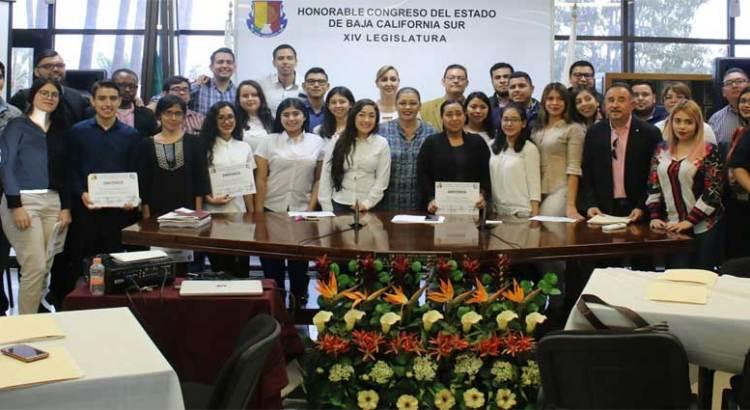 Concluyen alumnos de la UABCS Taller de Trabajo Legislativo
