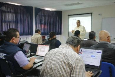 Capacitan a docentes UABCS en TICs