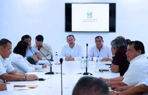 reunión de los representantes de los 9 gremios de taxis con autoridades municipales