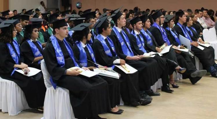 Entrega la UABCS 250 nuevos profesionistas a la sociedad