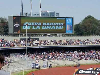 ¡Fuera narcos de la UNAM!