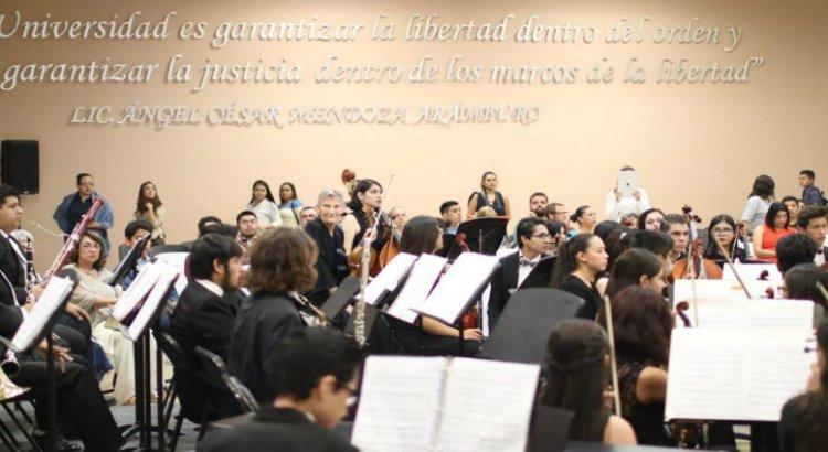 Celebra UABCS concierto de gala